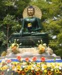 翡翠の仏像
